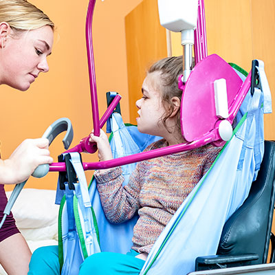 In Home Help with Patients with Hoisting